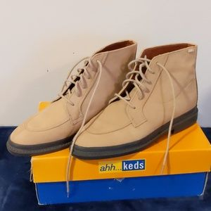 Ahh....Keds tan leather ankle boots size 7